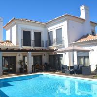 Casa das Oliveiras - Moradia de luxo T4 na Praia de Faro, hotel near Faro Airport - FAO, Faro