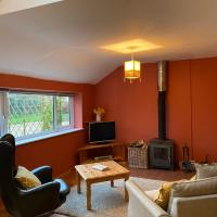 The Story House - Mendip Countryside Cottage Retreat with Wood Burner