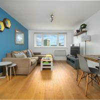 Amazing 2 Bed Flat near to the River Thames for 4 people