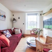 Old Town 2BR Home by GuestReady