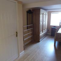 2 Single Beds Lovely Home