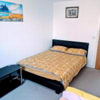 COMFY DOUBLE BEDROOM IN LIVERPOOL WITH FREE PARKING & WIFI