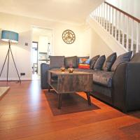 The Barwoods - Modern Spacious Home in Chester - Parking