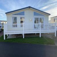 Impeccable 2-Bed Lodge in Whitley Bay.