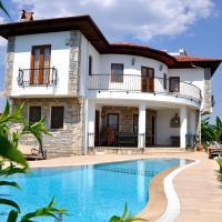 Villa Iris - 5 Bedroom Villa