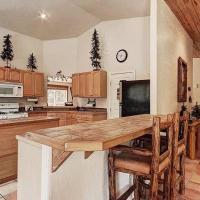 Moose Valley Lodge W Sauna, Hotub, Zipline & More!, hotel in Fairplay