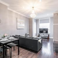 NEW - Modern 3BR Apt - Steps from Downtown!