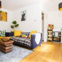 Cosy 4 Bedroom Apartment In Great Location