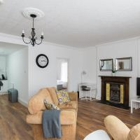 Very Spacious Two Bedroom Apartment with Parking
