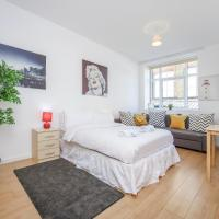 Spacious Studio Flat close to tube for 2 people!!!
