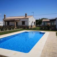 Estebana - Chalet vacacional con piscina en Conil