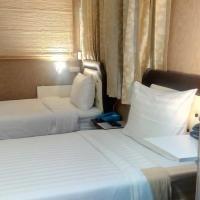 14 Plus 1 Hotel