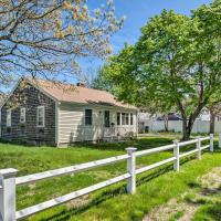 Cozy Yarmouth Home w/Private Deck - Walk to Beach!