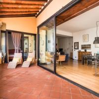 Refined flat with private loggia in San Frediano
