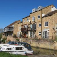 River Courtyard Apartment In The Heart Of Stneots