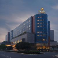 The Leela Ambience Gurgaon Hotel & Residences