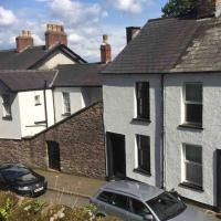 Newport City Centre Renovated 3 bed house