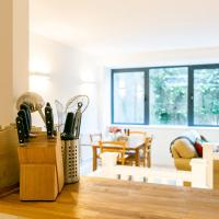 Modern and bright two story apartment - Super central location.