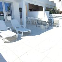 EvaChrist Apartment in Oroklini close to the beach, hotel in Oroklini