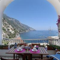 Positano Holiday Home Sleeps 5 with Air Con and WiFi