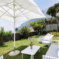 Positano Villa Sleeps 8 with Pool and Air Con