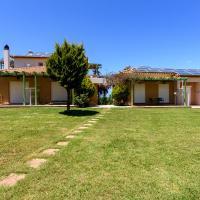 Kyparissia Garden Retreat - Premium Family Suite