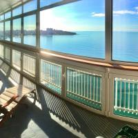 Precioso piso en primera línea de mar y playa con unas vistas increibles