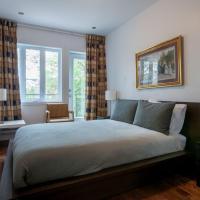 2 storey 7 bedrooms 2 bathrooms Apartment on St-Laurent