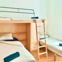 Rooms in Center near beach