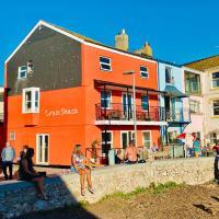 Crab Shack Apartments - Stylish back beach duplex apartment, Teignmouth