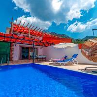 Villa Vera Faralya Deniz Manzaralı Korunaklı Balayı Villası