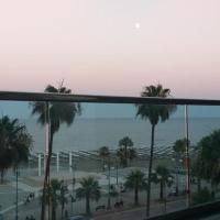 Horizon Luxury Suite at Finikoudes Beach 1