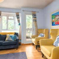 Charming 1BR Flat with Balcony by GuestReady
