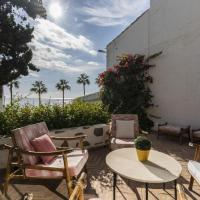 FIRST LINE BEACH HOUSE WITH SEA VIEWS IN THE CENTER OF MARBELLA