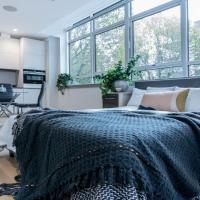 Studio flat in Downhills Park - L