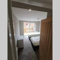 Two bed apartment with parking - Flat 1