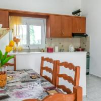 Sunny Apartment close to the Sea, hotel in Analipsi