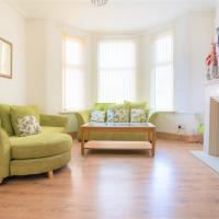 *Beautiful Liverpool Orrell Park Guest House*