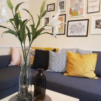 Oceana Accommodation- Martley House, Southampton, Cosy place close to train station, parking, sleeps 6