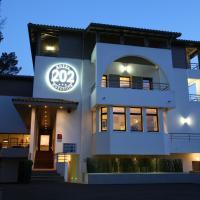 Hotel 202