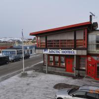 Mehamn Arctic Hotel </h2 <div class=sr-card__item sr-card__item--badges <div style=padding: 2px 0  <div class=bui-review-score c-score bui-review-score--smaller <div class=bui-review-score__badge aria-label=Har fått 6,5 i score 6,5 </div <div class=bui-review-score__content <div class=bui-review-score__title Ganske bra </div </div </div   </div </div <div class=sr-card__item   data-ga-track=click data-ga-category=SR Card Click data-ga-action=Hotel location data-ga-label=book_window:  day(s)  <svg alt=Beliggenhet class=bk-icon -iconset-geo_pin sr_svg__card_icon height=12 width=12<use xlink:href=#icon-iconset-geo_pin</use</svg <div class= sr-card__item__content   Mehamn • <span 650 m </span  fra sentrum </div </div </div </div </a </li <div data-et-view=cJaQWPWNEQEDSVWe:1</div <li id=hotel_5065740 data-is-in-favourites=0 data-hotel-id='5065740' data-lazy-load-nd class=sr-card sr-card--arrow bui-card bui-u-bleed@small js-sr-card m_sr_info_icons card-halved card-halved--active   <a href=/hotel/no/blue-house-at-the-end-of-the-world.no.html target=_blank class=sr-card__row bui-card__content data-et-click=customGoal: NAREFcMEbFeceMaNCTYAKe:4 aria-label=  Blue House At The End Of The World,      <div class=sr-card__image js-sr_simple_card_hotel_image has-debolded-deal js-lazy-image sr-card__image--lazy data-src=https://q-cf.bstatic.com/xdata/images/hotel/square200/198513551.jpg?k=fe919ae02ebb510c1103e615a64e772420a51f78e3f99a2304ee4f97a0df5892&o=&s=1,https://q-cf.bstatic.com/xdata/images/hotel/max1024x768/198513551.jpg?k=3d1dddb2d3b74344f9f71b316f72266af6a8433a5310ae5de4d8e8a7f14e4e5f&o=&s=1  <div class=sr-card__image-inner css-loading-hidden </div <noscript <div class=sr-card__image--nojs style=background-image: url('https://q-cf.bstatic.com/xdata/images/hotel/square200/198513551.jpg?k=fe919ae02ebb510c1103e615a64e772420a51f78e3f99a2304ee4f97a0df5892&o=&s=1')</div </noscript </div <div class=sr-card__details data-et-click=     <div class=sr-card_details__inner <div data-et-