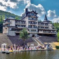 Retro Riverside Wellness Resort, Hotel in Karlsbad