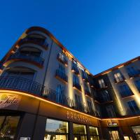 Hotel Le Berry, hotel in Saint-Nazaire
