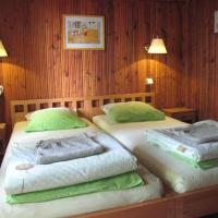 Maple House - Sodyba Tarp Klevų, viešbutis mieste Utena