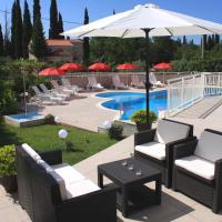 Apartments Grand Pinea