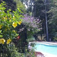 Tropical Coast Retreat - Pet Friendly