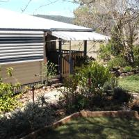 Staple House Bed and Breakfast, hotel en Woolooga