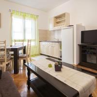 Cozy One-Bedroom Apartment