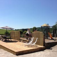 Le Fenil Holiday Home