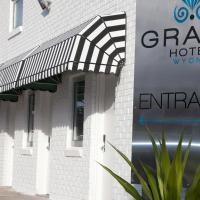 Grand Hotel and Studios, hotel in Wyong